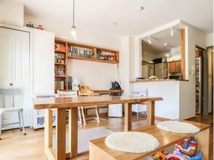 造作棚や無垢の床がお気に入りです。