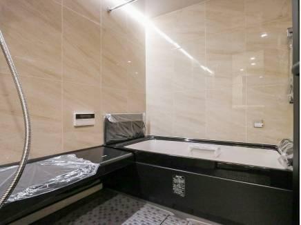 広いバスルームは癒しのスペースとなることでしょう
