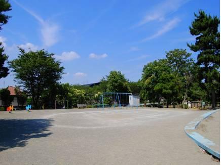 片瀬山西公園まで徒歩7分(約550m)