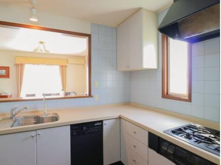 L字型の広いキッチンは料理をするのが楽しいですよ。