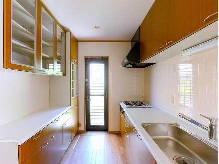 キッチンは料理のしやすい独立型となっています
