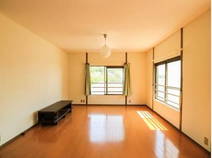 2階の洋室は11帖の広さがあります。