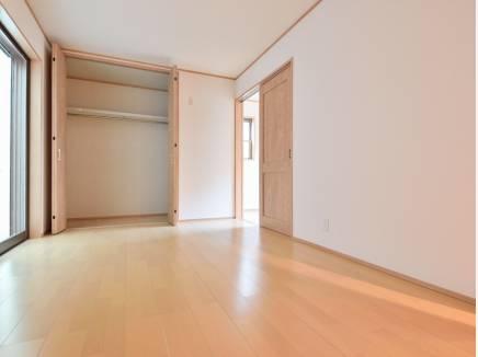各居室の収納スペースも豊富です