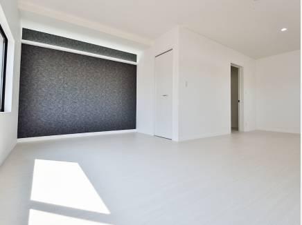 白を基調とした内装はどんな家具でも合わせやすそう