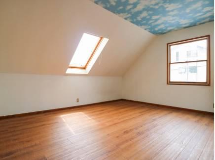 10帖の納戸も居室として使用出来そうです