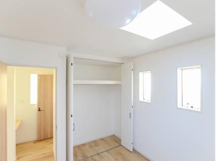 天窓からの自然の光はとても温かそう