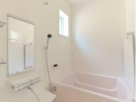 浴室乾燥暖房機完備で快適なバスタイムを
