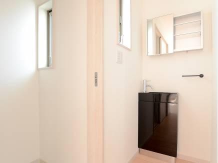 2階にはお洒落な洗面スペースがあるんです
