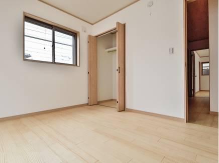 居室はシンプルな雰囲気なので、家具も合わせやすそう