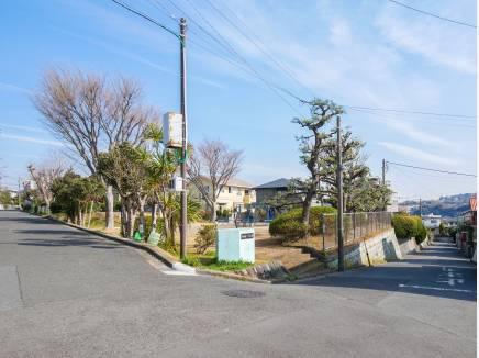 西鎌倉三丁目公園まで徒歩2分(約100m)