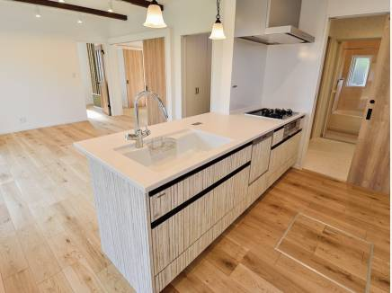 キッチンから洗面室に直接行かれる家事動線の優れた間取り