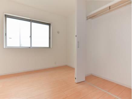 居室にもたっぷりの収納スペースを完備