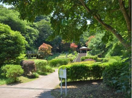 鎌倉中央公園まで徒歩5分(約400m)