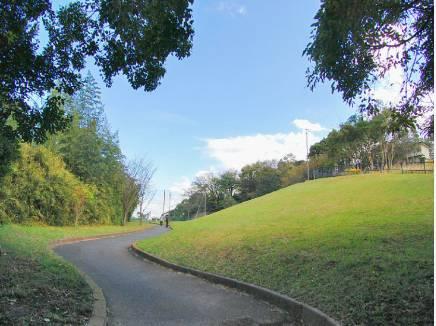 笛田公園まで徒歩7分(約500m)