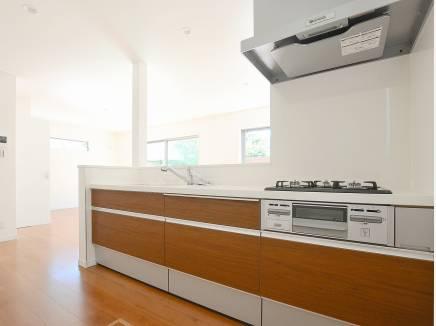 キッチンはシンプルで使い勝手の良い造り