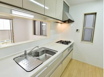 広いキッチンは料理がしやすそうですね