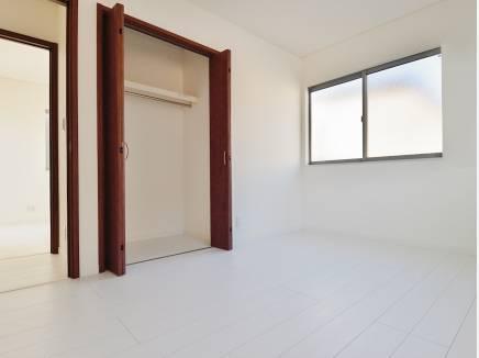 各居室に収納スペースを完備
