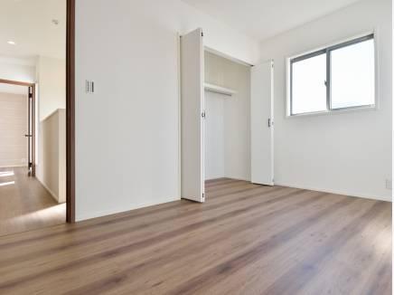 各居室にもたっぷりの収納スペースを完備