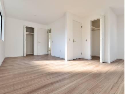 将来的に2部屋にもできる居室