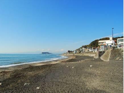 稲村ガ崎海岸まで徒歩6分(約450m) 憧れの潮風に包まれる生活