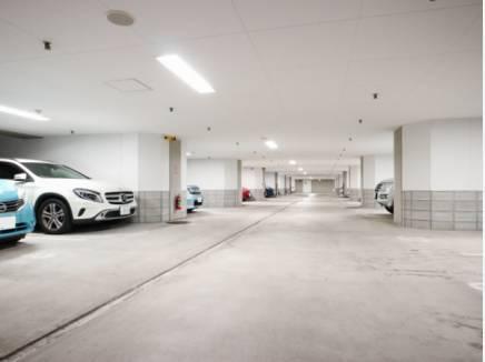 充電設備付(16台)の駐車場