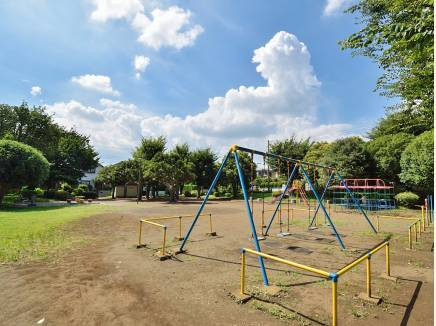 中丸公園まで徒歩5分(約400m)