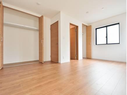 将来的に2部屋にもできる洋室