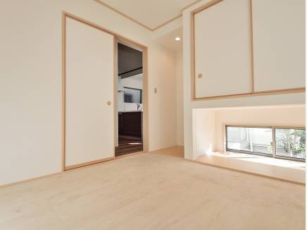 リビング横の和室はあると嬉しい空間(畳はこれから入ります)
