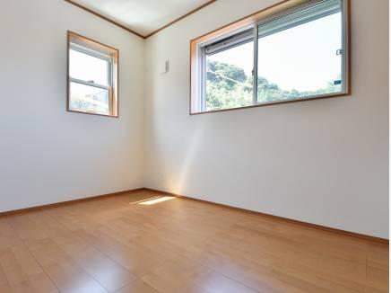 全室2面採光のため、陽当たり風通し良好