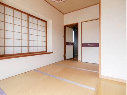 和室はのんびりとくつろげるスペースに・・・