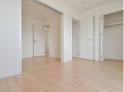 引き戸を開け閉めして使える3階の居室はこども部屋にもピッタリ