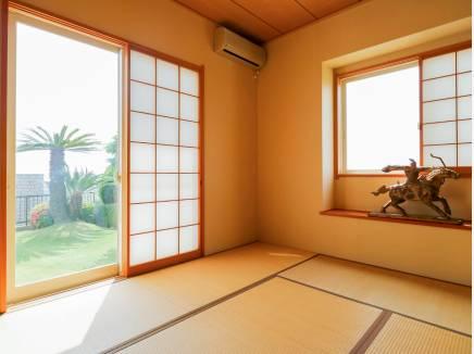 8帖の和室は客間としても重宝します。