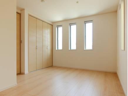 1階の洋室は将来的に二部屋に間仕切ることも可能