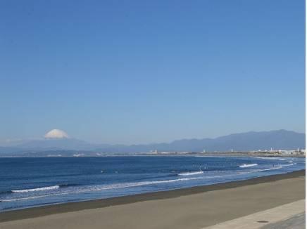 海まで徒歩16分(約1300m)お散歩にちょうどいい距離ですね