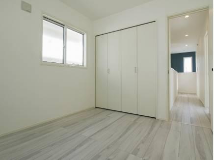 各居室にたっぷりの収納スペースを完備