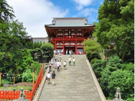 鶴岡八幡宮まで徒歩9分(約650m)