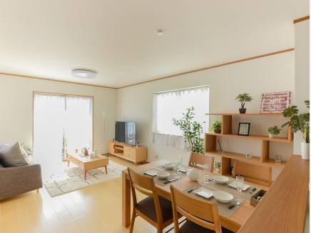 シンプルな内装は、どんな家具でも合わせやすそう