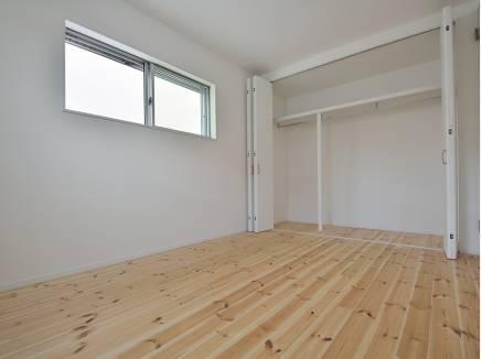 各居室の収納スペースもたっぷり完備