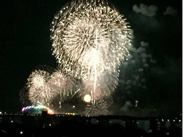 江の島花火大会も一望します(オーナー様提供写真)