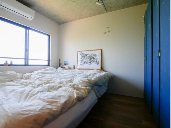 可動式収納を完備した6.1帖の洋室