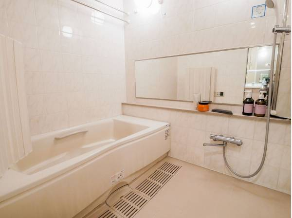 バスルームもゆとりのある広さ
