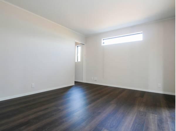 納戸(約10帖)は2面採光で居室としてもご利用いただけます