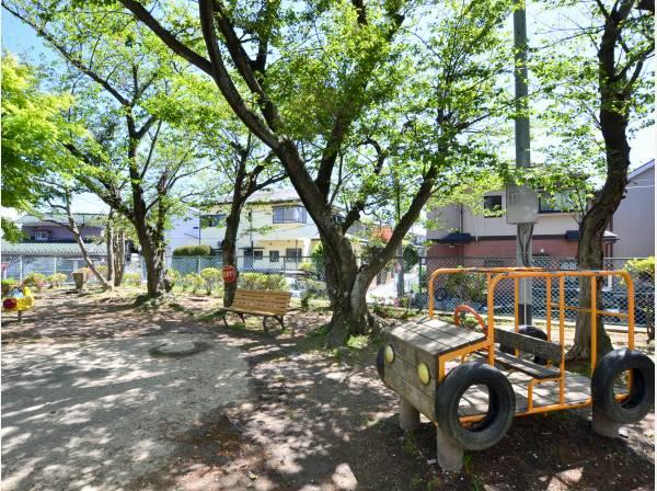 汐見児童遊園まで徒歩2分(約170m)
