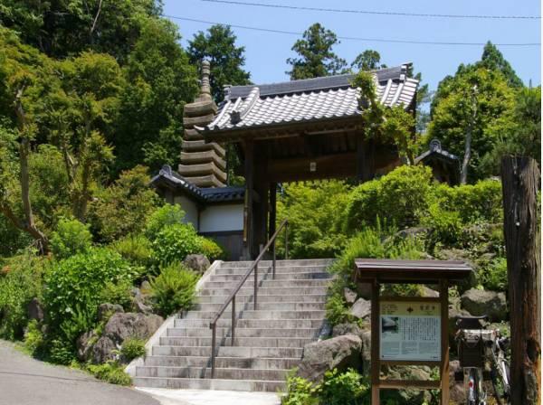 覚園寺まで徒歩18分(約1400m)