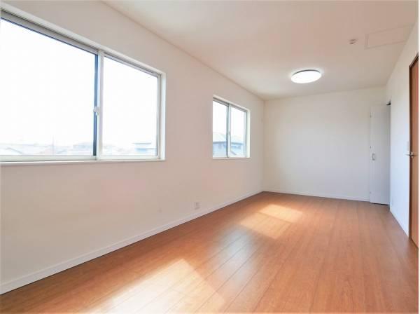 将来的に2部屋にすることも可能な10.6帖の洋室