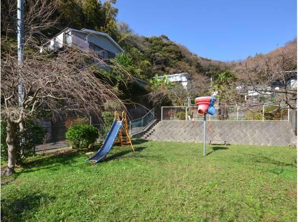 山の根松本公園まで徒歩3分(約220m)