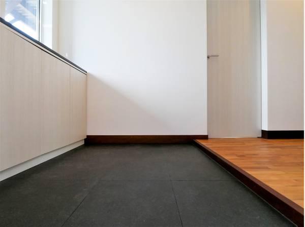 素材の上質さが際立つエントランスは来客時にも自信が持てます