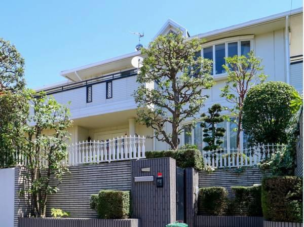 大家族でもゆとりをもって快適にお住いいただけそうな素敵な邸宅