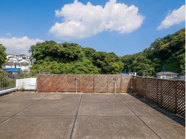 神奈川県逗子市小坪1丁目のマンション