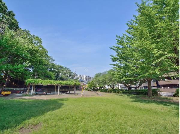 御幣公園まで徒歩4分(約300m)
